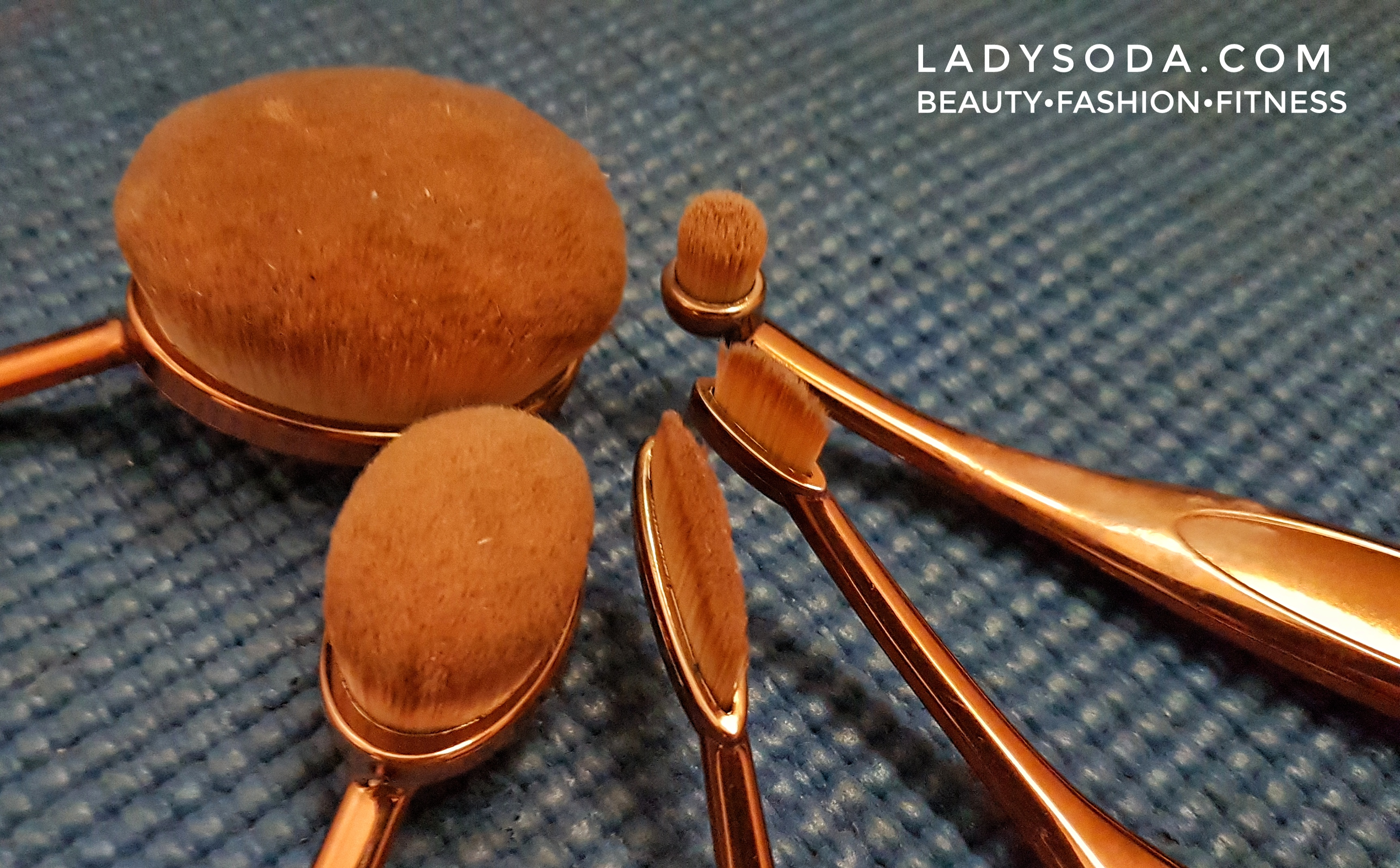 oval shaped brush