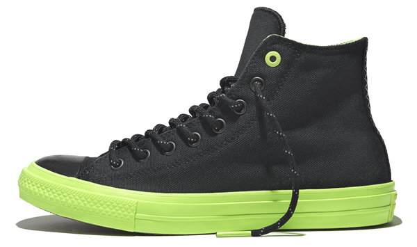 CHUCK II SHIELD CANVAS IN BLACK VOLT